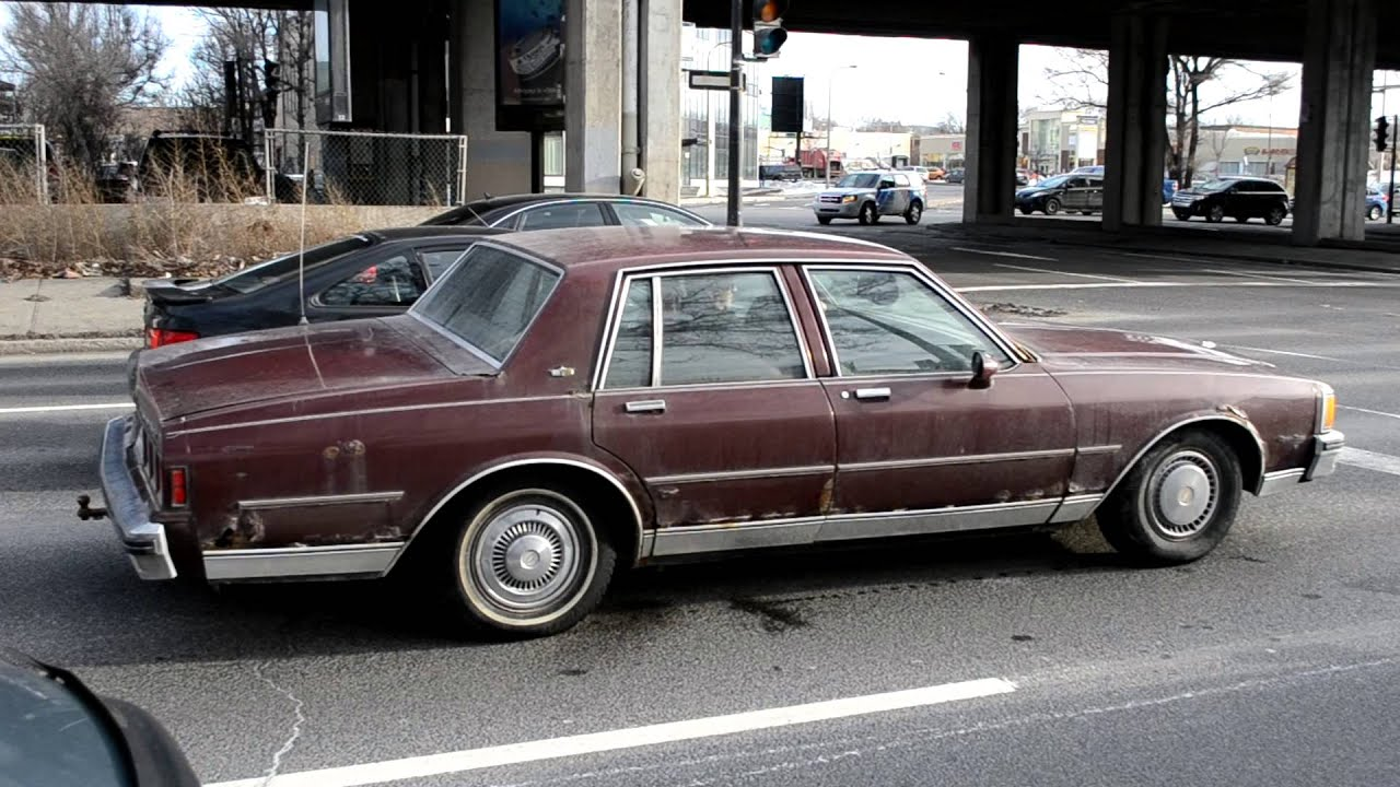 Chevy On The Blvd >> Rusty 1980 - 1985 Chevy Caprice Classic Still Going In Montreal - YouTube