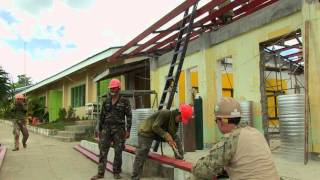 U.S. and Philippine service members build classroom ar San Nic…