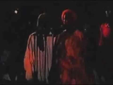 Bob Marley Keep On Moving  [live]