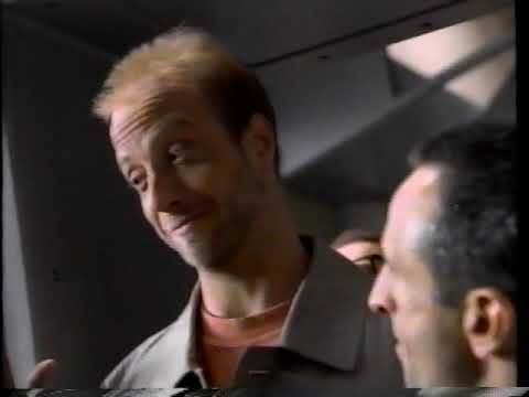 Tostitos - Airport [featuring Chris Elliott] (1995)