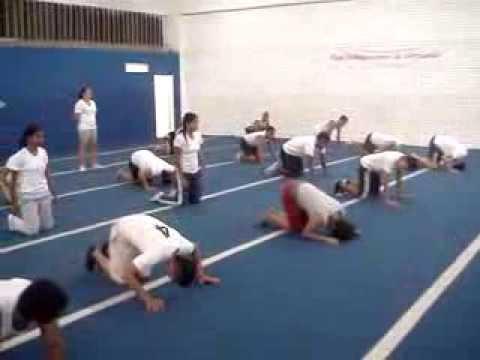 Ejercicios de calentamiento y fortalecimiento de cuello en for Ejercicios de gimnasia