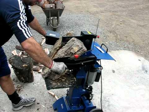 Maquina trozadora de troncos funcionamiento youtube for Maquina de astillar lena