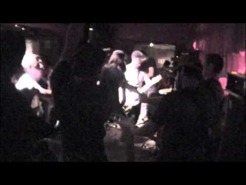 UNSANE (+ BURIED INSIDE + MI AMORE) playing 'Dead Weight' in Hamilton, ON (01.09.2005)