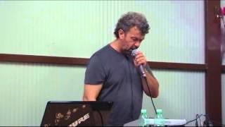 Karaoke: Armando canta Non mi tenere il broncio di Adamo