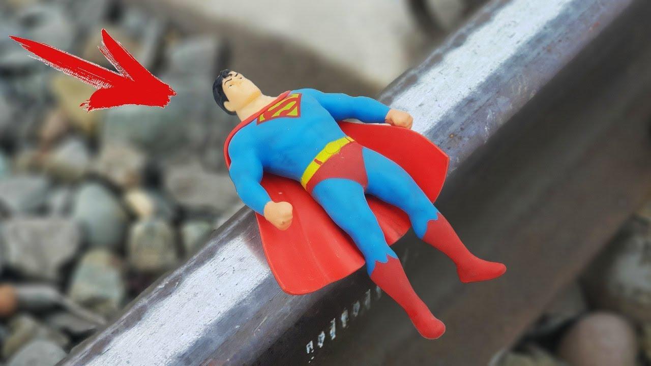 experiment-train-vs-stretch-superman