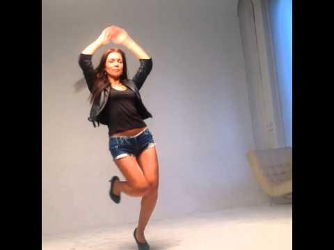 клип где танцует девушки