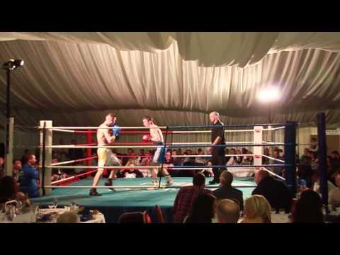 010 Johnny  Kerr Dungannon Boxing v John Dixon SK Boxing Promotions