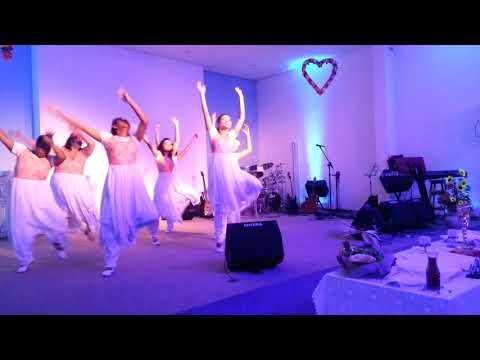 Coreografia  Milagres -livres para adorar  Ministério de dança SemeArt Kadesh