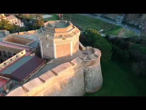 [Not your classic drone shot] Diving Forte Sangallo