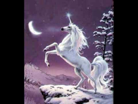 Del unicornio al caballo alado  YouTube