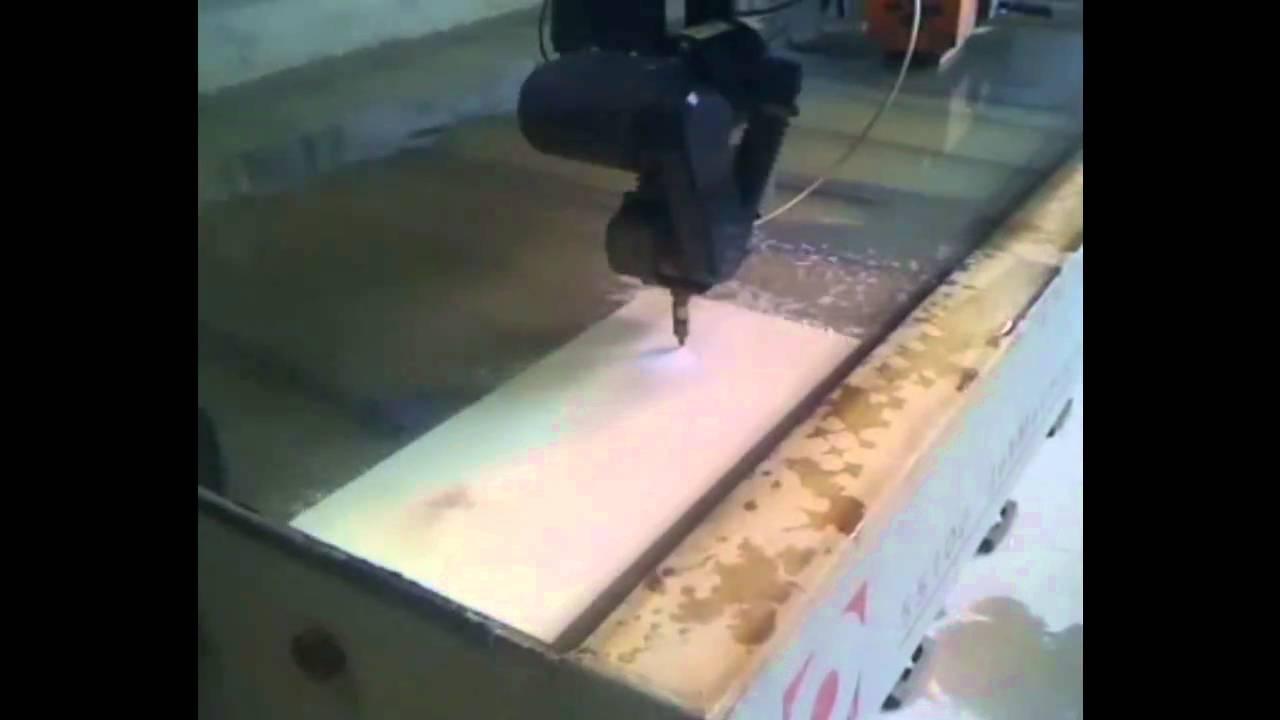 fliesen b ttcher wasserstrahlschneiden in feinsteinzeug youtube. Black Bedroom Furniture Sets. Home Design Ideas