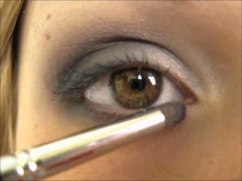 maquillage yeux marrons en gris
