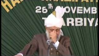 Ahmadiyya: Huzoor addresses Lajna at Calicut Kerala, India 2008 (3/4)