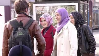 Miteinander Leben Folge 13 - Kopftuch auf Probe: Ein Tag als Muslima