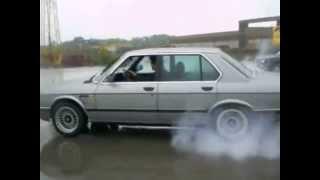BMW E28 524td drift