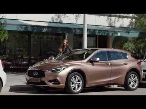 2017 INFINITI QX30 - Intelligent Park Assist