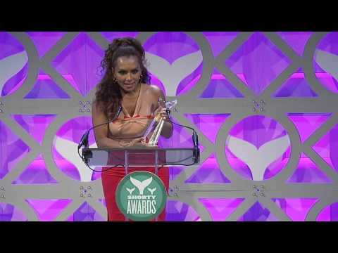 Janet Mock accepts the Shorty Award for Best in Activism