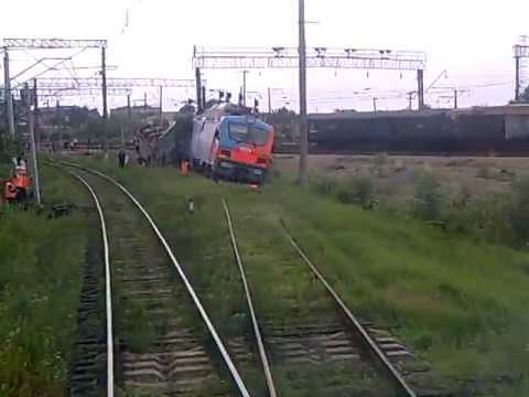 Испытательный поезд сошел с рельс