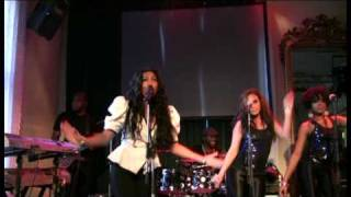 Melanie Fiona - Monday Morning (Live from Showcase in Sweden)