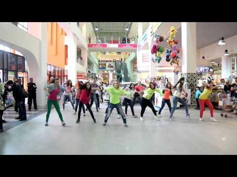 Видео: Флэшмоб в Торговом центре МЕГАМАГ