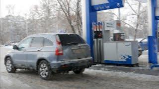 видео: UTV. Куда «летят» цены на бензин и где в Оренбурге заправляться дешевле?