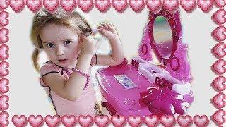 Столик с зеркалом и косметикой для девочек. Распаковка. Обзор. Волшебная палочка
