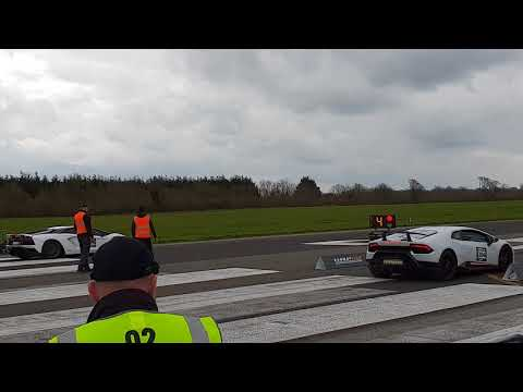 Aventador S vs Huracan Performante