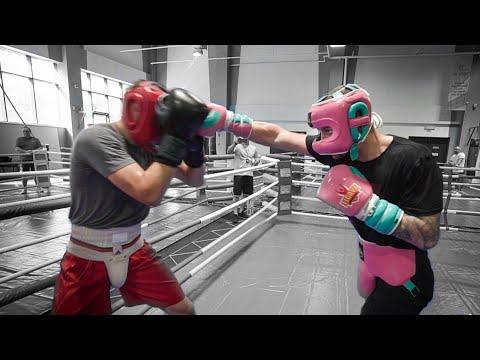 Спаринги в сборной по боксу 2020 / Чемпион мира проверяет молодого боксера