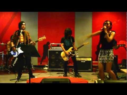 Panggung Sandiwara - God Bless (cover version) Melody band