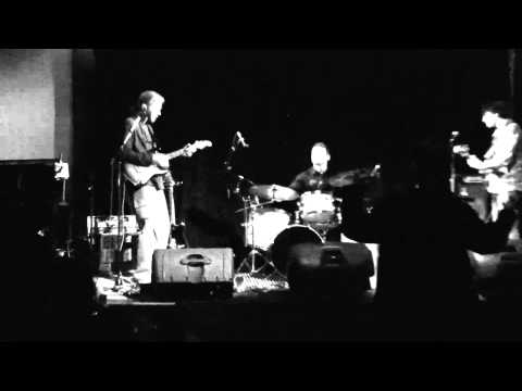 Lester Quitzau Trio - Live at The Royal