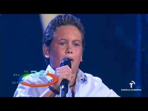Fenómeno Fan: Nacho canta