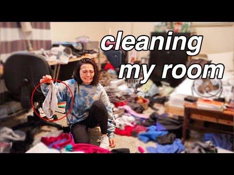 cleaning my disgusting room  *satisfying*
