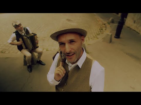 Youtube: R.CAN – GRAND DE TAILLE (CLIP OFFICIEL)