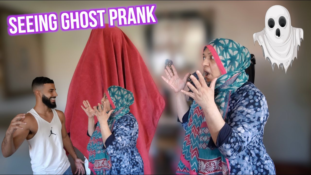 FRIEND SCARES MY MOM WITH SURPRISE! *Seeing Ghosts*