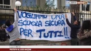 PROTESTA LICEO MAZZINI LOCRI