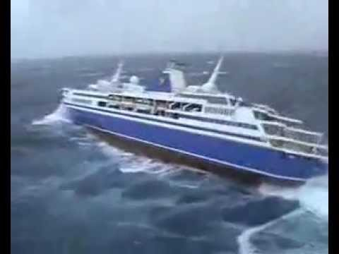 cyclone Valentina cruise ship Voyager - YouTube