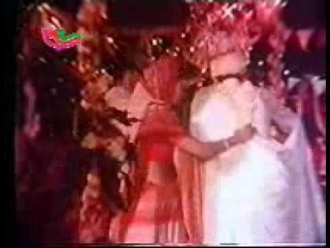 Dulha Dhire Dhire Chala - Ganga Kinare Mora Gaon - Bhojpuri Film Song [JAIBIHAR.com]
