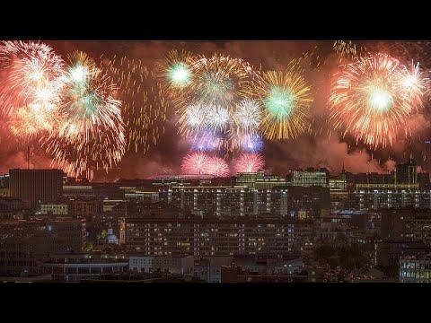 Rusya: 9 Mayıs Zafer Günü dev havai fişek gösterisi ile kutlandı