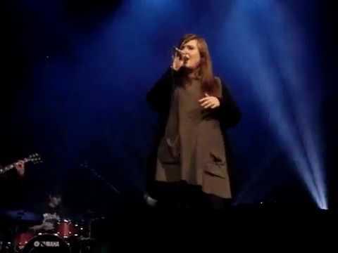 ADELE - LIVE: COLD SHOULDER *first London gig Jan 2008* Bloomsbury Theatre