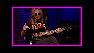 Breaking News | Judas priest guitarist glenn tipton auctioning 1985 porsche 911(930) turbo se