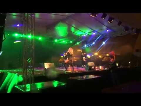 Manele si cururi goale la Serbarile Galatiului 2015