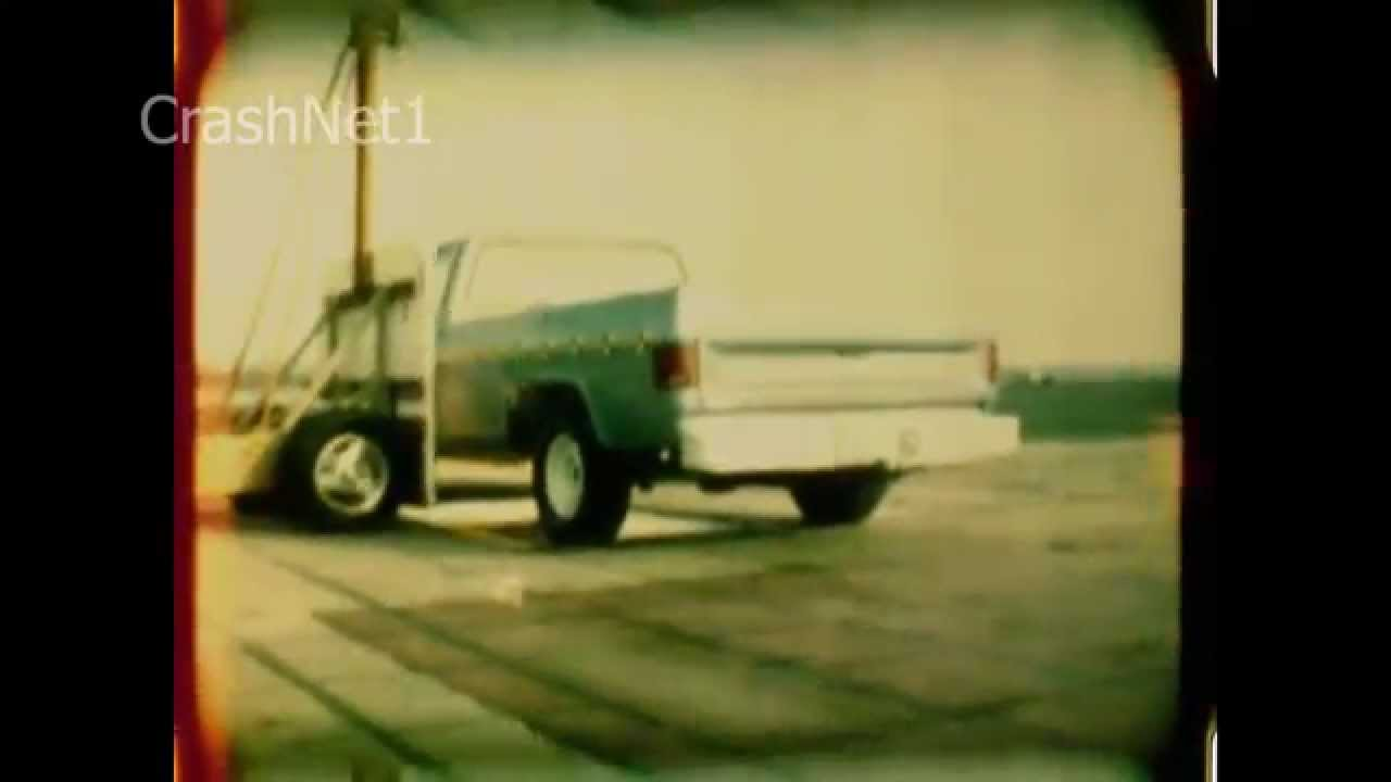 1986 Chevy C-10 | Side Crash Test | CrashNet1 - YouTube