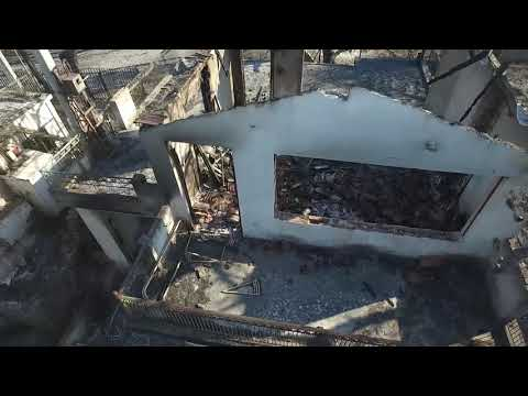 Το drone του zougla.gr μέσα στα σπίτια που έγιναν παρανάλωμα του πυρός στην ανατολική Αττική
