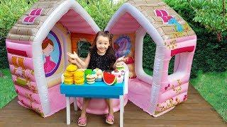 Öykü'nün Yeni Oyun evi - Öykü and Mom playing in cafe - Funny Oyuncak Avı