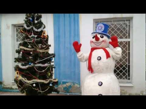 Снеговик на фабрике мороженого