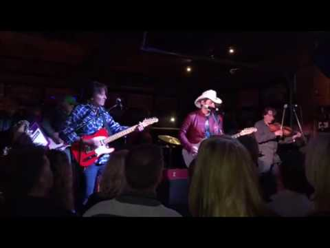 Blue Suede Shoes / Johnny B. Goode (Live) - John Fogerty and Brad Paisley
