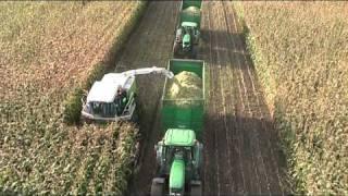 Repeat youtube video Maize Harvesting 2010 with Claas Jaguar & John Deere Aerial View - johnwandersonagain