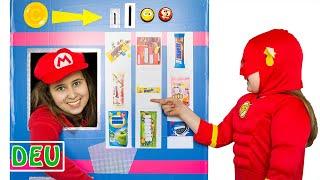 Tina verwandelte sich in einen riesigen Spielzeugautomaten
