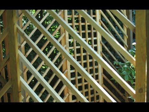 Pallet Wood Garden Trellis Arbor  2   Trellis Panels and Door. Bricolaje gazebo palets 2 Gazebo 2