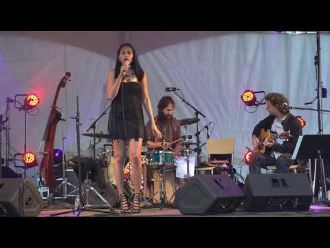 Show performance live HAINGO NIRINA TRIO
